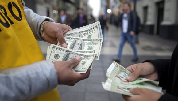 A las 9:33 de la mañana, el dólar se cotizaba a S/ 3.5951 en el mercado interbancario, un nivel menor en 0.11% frente a los S/ 3.5990 del cierre del martes.  (Foto: GEC)