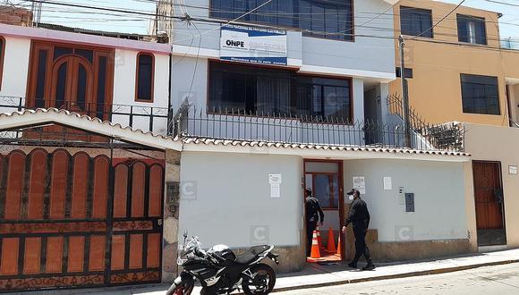 Presentan dos kit de revocatoria contra gobernador Tonconi
