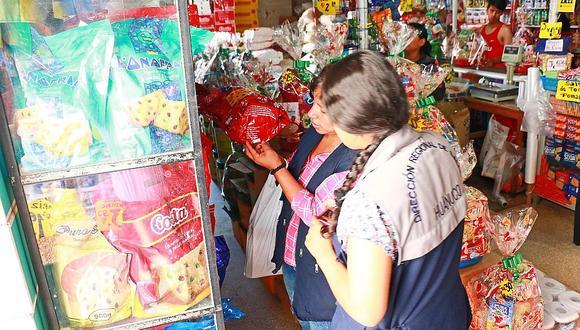 Realizan operativos a la venta de panetones, chocolates y otros productos navideños