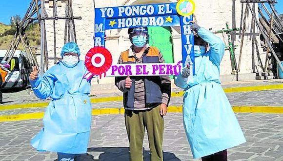Los pobladores de provincias acuden a inmunizarse. (Foto: Difusión)