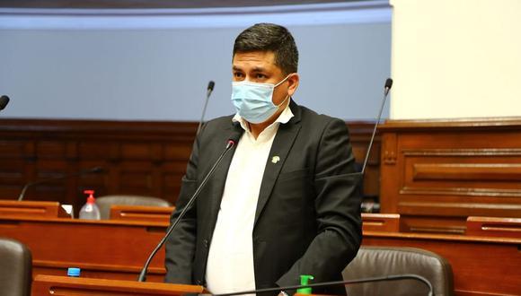 Legislador informó que presentó síntomas de la enfermedad luego de realizar un viaje de representación a su región, Cajamarca. (Foto: Congreso)
