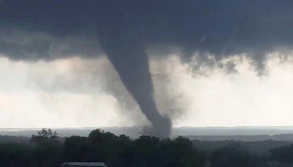 EE.UU.: Tornados asolan Oklahoma y dejan al menos dos muertos