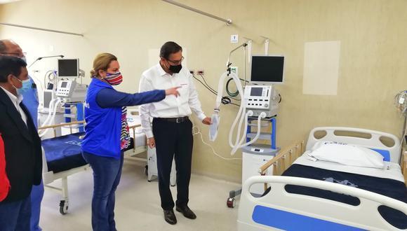 Un contingente de 40 médicos y enfermeras arribaron a Moquegua para fortalecer la atención de pacientes críticos. (Foto: EsSalud)