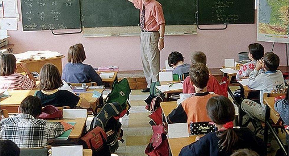 Profesor roba dinero del viaje de promoción de sus alumnos para pagar sus deudas