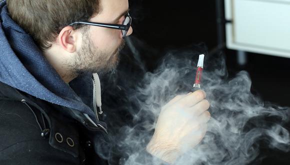 """Cigarrillos electrónicos son """"indudablemente dañinos"""", advierte la OMS"""