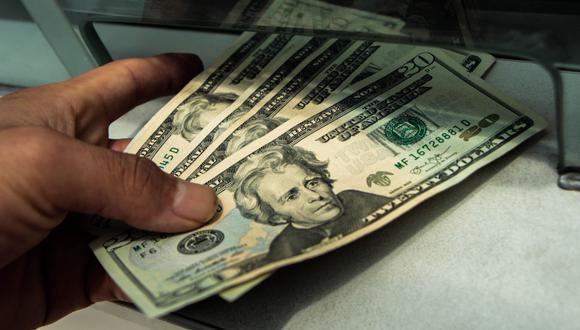 Moneda presenta una caída leve de 0.07% en comparación con los S/ 3.595 del cierre del viernes. (Foto: GEC)