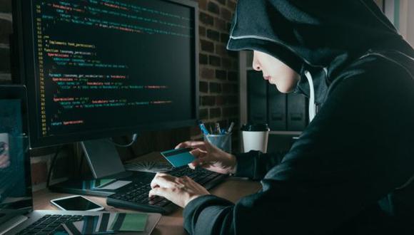 Willy Zamudio, especialista en ciberseguridad, recomienda No insertar ningún dispositivo externo en las computadoras corporativas sin antes tener la certeza de que está limpio de virus o archivos malintencionados. (Foto: Reuters)