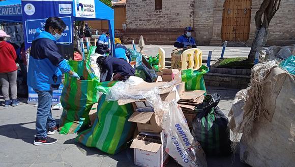 Durante campaña, personal de la municipalidad de Huancavelica junta casi una tonelada de material reciclable.
