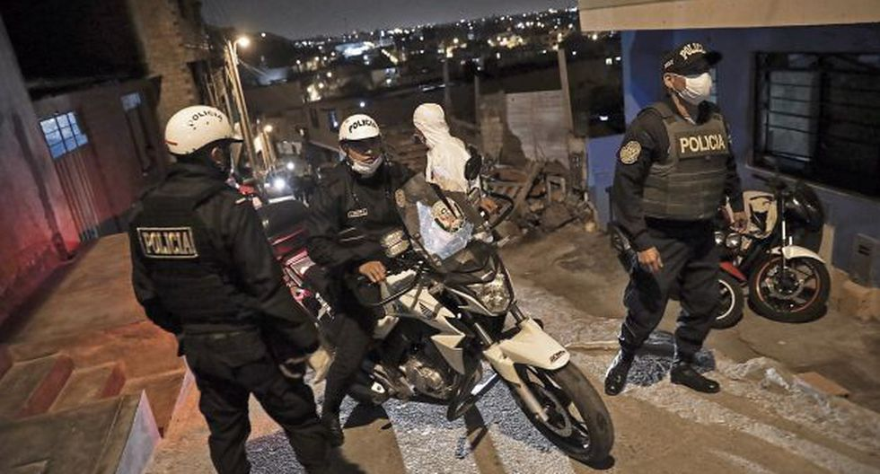 Puno: Seis policías que cumplieron cuarentena se contagian por segunda vez de coronavirus (foto referencial)