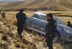Delincuentes abandonan camioneta que fue asaltada a una familia en la vía Juliaca-Sandia