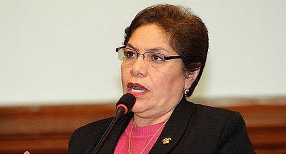 """Luz Salgado: """"Martín Vizcarra ha abdicado de sus funciones"""""""