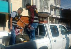 Policías detienen a presuntos estafadores de celulares