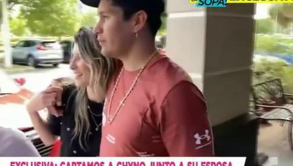 Chyno Miranda y Natasha son captados saliendo de un restaurante en Miami. (Foto: captura de video)