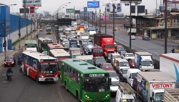 Gremio de transportistas anunció para este martes una paralización en el servicio debido a reducción de ingresos. (Foto: Hugo Curotto)