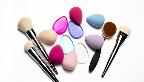 """Expertos de L'Óreal Paris, según la revista de belleza Telva, señalan que """"la limpieza de las brochas es parte de tu rutina de belleza"""". (Foto: Shutterstock)"""