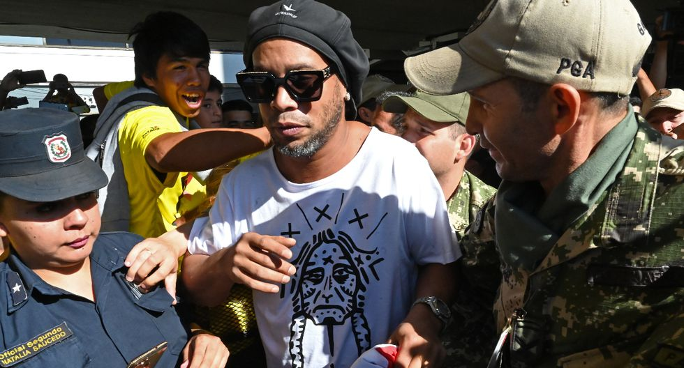Ronaldinho: ordenan arresto del exfutbolista en Paraguay