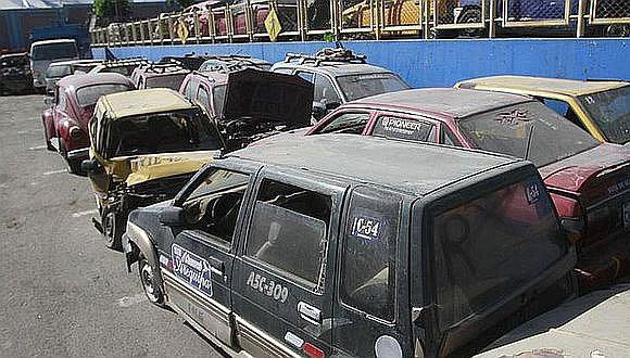 Depósitos se encuentran llenos con vehículos abandonados