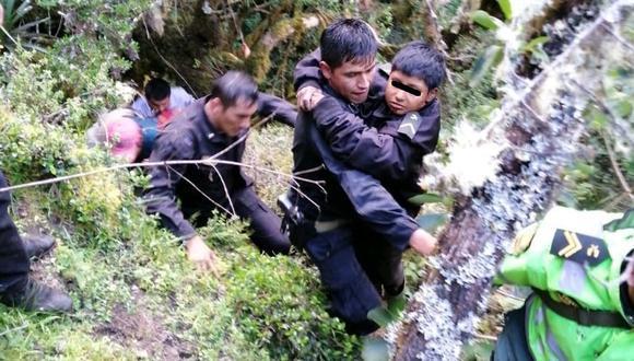 Menor desaparecido en Apurímac es hallado con vida al fondo de barranco.