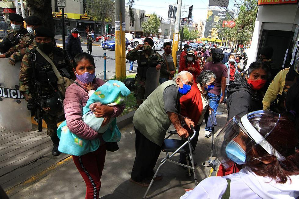 Al menos 6 de 11 agencias del Banco de la Nación en Arequipa están cerradas (FOTOS)