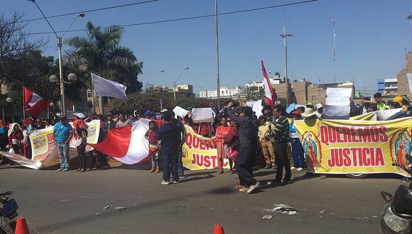 Pobladores protestan contra eventual desalojo