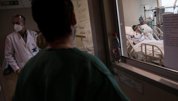 Coronavirus en Chile   Últimas noticias   Último minuto: reporte de infectados y muertos   Covid-19   (Foto referencial: EFE/Alberto Valdés).