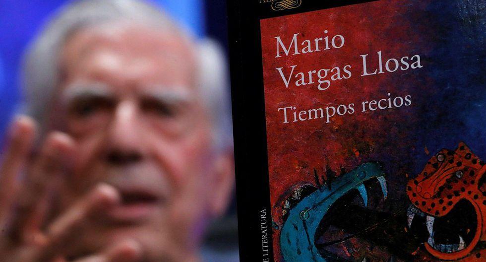 """Mario Vargas Llosa presentó su libro en Madrid """"Tiempos recios"""""""