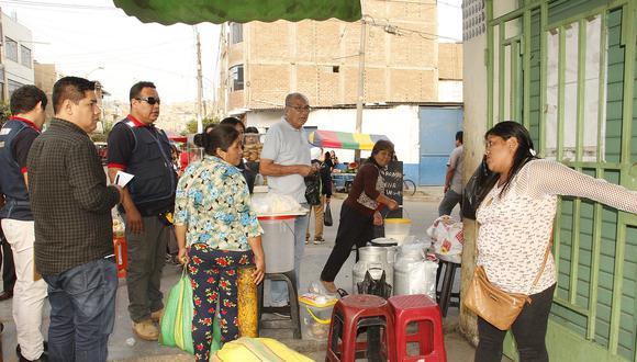 Desalojan a comerciantes ambulantes en El Porvenir