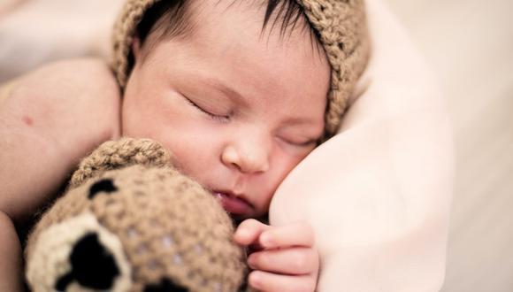 El pediatra siempre será el mejor aliado para que los padres sepan cómo actuar con un recién nacido. (Foto: Georgia Maciel / Pexels)
