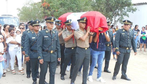 Con homenajes despidieron los restos del policía Anner Luzón