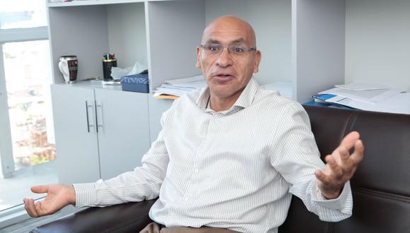 Ministro Mendoza pidió colaboración al Legislativo y ser  coherente entre sus propuestas y sus actos, dando prioridad a la emergencia sanitaria.   (Foto: Diana Chavez / GEC)