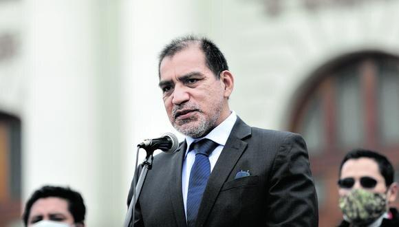 """Luis Barranzuela, ministro del Interior, dijo que solo hizo algunas diligencias """"inicialmente"""" como abogado de Vladimir Cerrón."""