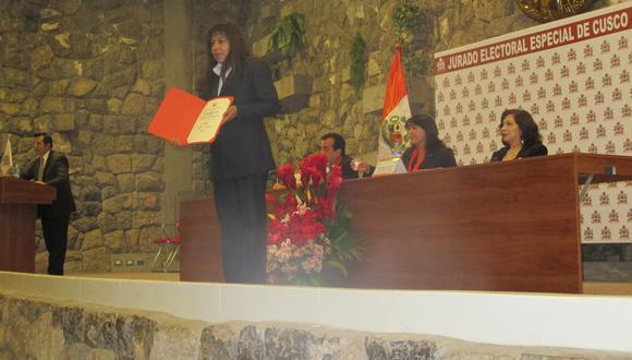 Entrega de credenciales a nuevas autoridades en Cusco