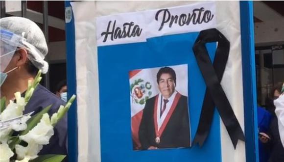Colegas del hospital Yanahuara se despiden del congresista Hipólito Chaiña