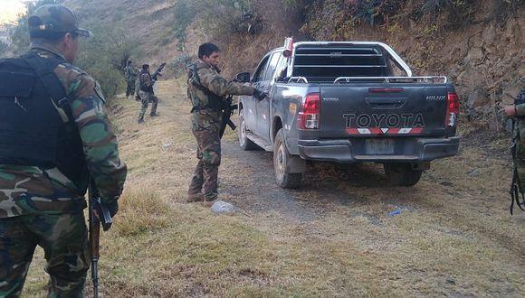 Ayacucho: PNP se enfrenta a disparos contra cuatro sujetos que transportaban 40 paquetes de cocaína | VIDEO