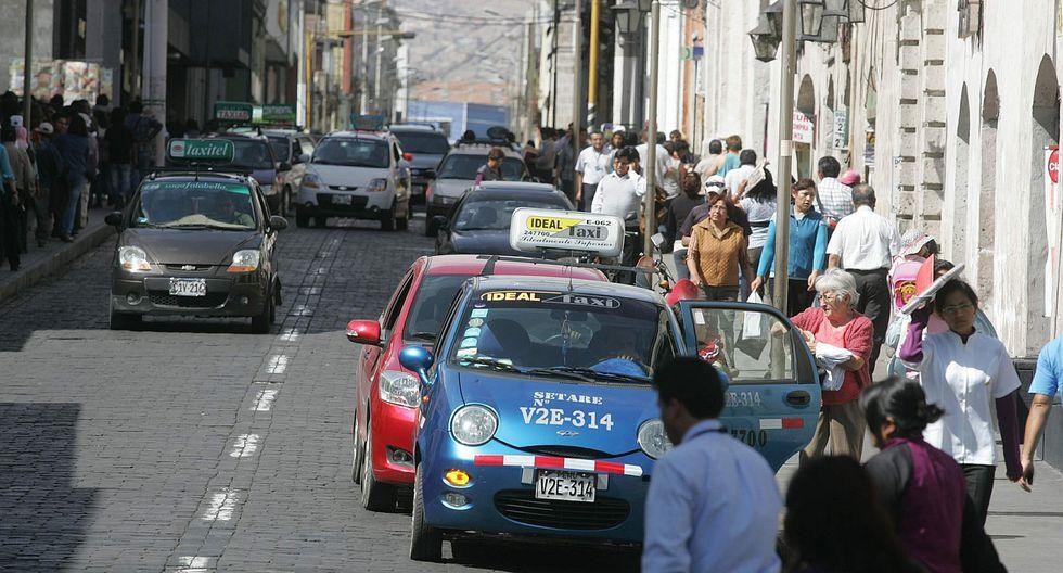 Taxistas se organizan para frenar asaltos