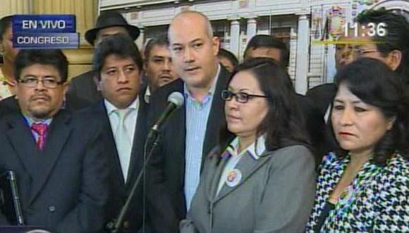 """Bancada de Gana Perú: """"Fujimoristas mantienen lenguaje de cloaca"""""""