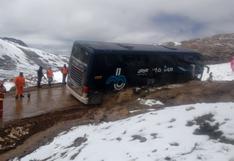 Huancavelica: Accidente deja pasajeros varados en medio de la nevada