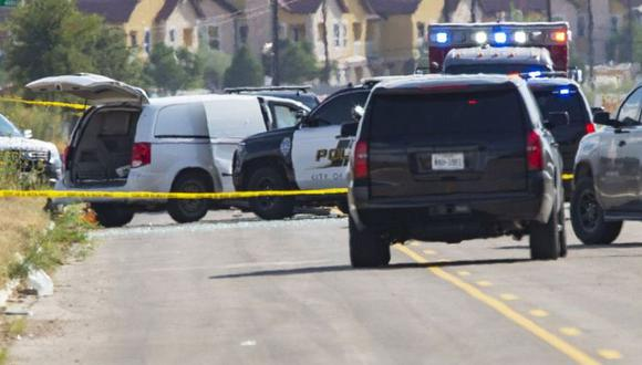 Imagen referencial de vehículos policiales y ambulancias en Estados Unidos. (Foto: AFP)