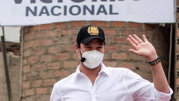 El candidato de Victoria Nacional se pronunció poco después que se conociera que el JNE revocó su exclusión de las elecciones generales del 11 de abril.. Foto: AFP