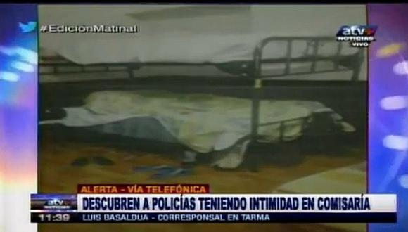 Perú: Dos policías fueron descubiertos teniendo relaciones sexuales en comisaría (VIDEO)