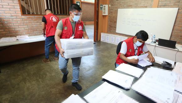 Un acta electoral es el documento que contiene los votos de los electores y la suma de estos en las respectivas mesas de votación. (Foto: JNE)
