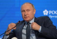 Vladimir Putin asegura que Rusia no quiere renunciar al dólar pero EE. UU. le obliga