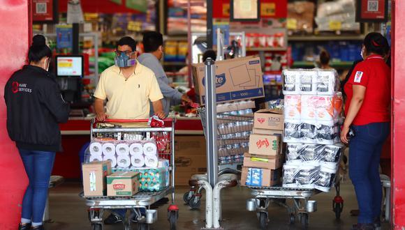 Las tiendas de abastecimiento de productos básicos, supermercados, mercados, bodegas y farmacias atenderán con un aforo del 40%.