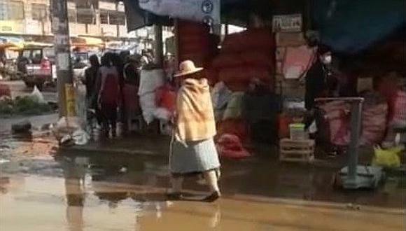 Primeras lluvias inundan las calles de Juliaca