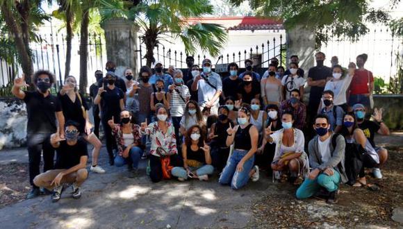 Jóvenes artistas exigen libertad de expresión en la isla. (Foto: EFE)