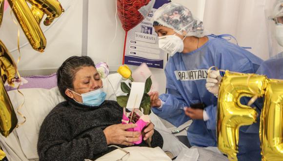 Personal de salud conmemoró en su día a madres con COVID-19 en Ayacucho.