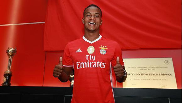 André Carrillo fue oficialmente presentado como jugador del Benfica