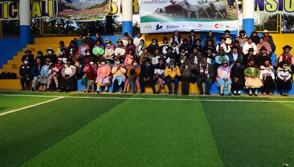Mujeres alpaqueras de la región Huancavelica participan en primer encuentro de lideresas.