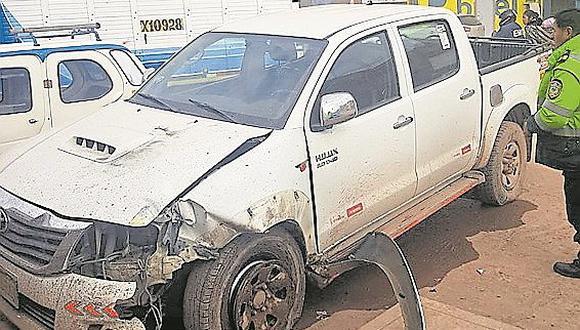Cuatro heridos tras despiste de camioneta en pleno centro de Juliaca