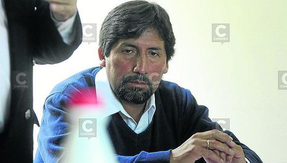 Alcalde de Caylloma mantiene a gerente sin el perfil
